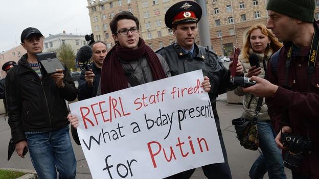 http://media.npr.org/assets/img/2012/10/16/russia_radio_wide-a7b4ec5ea083b87af58e6f415e51bde7cf3936f5-s4.jpg