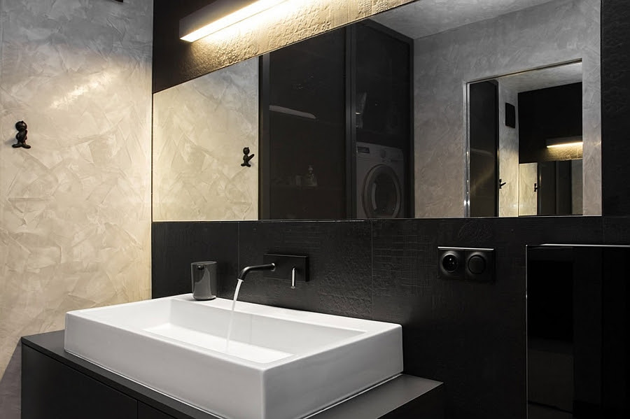 Fabulous basin complements the semi-minimal look of the bathroom