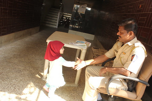 Nerjis Asif Shakir Shakes Hands With The Mumbai Police Uncle by firoze shakir photographerno1