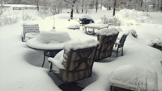 Tips for Storing Patio Furniture In The Winter | Homesteading