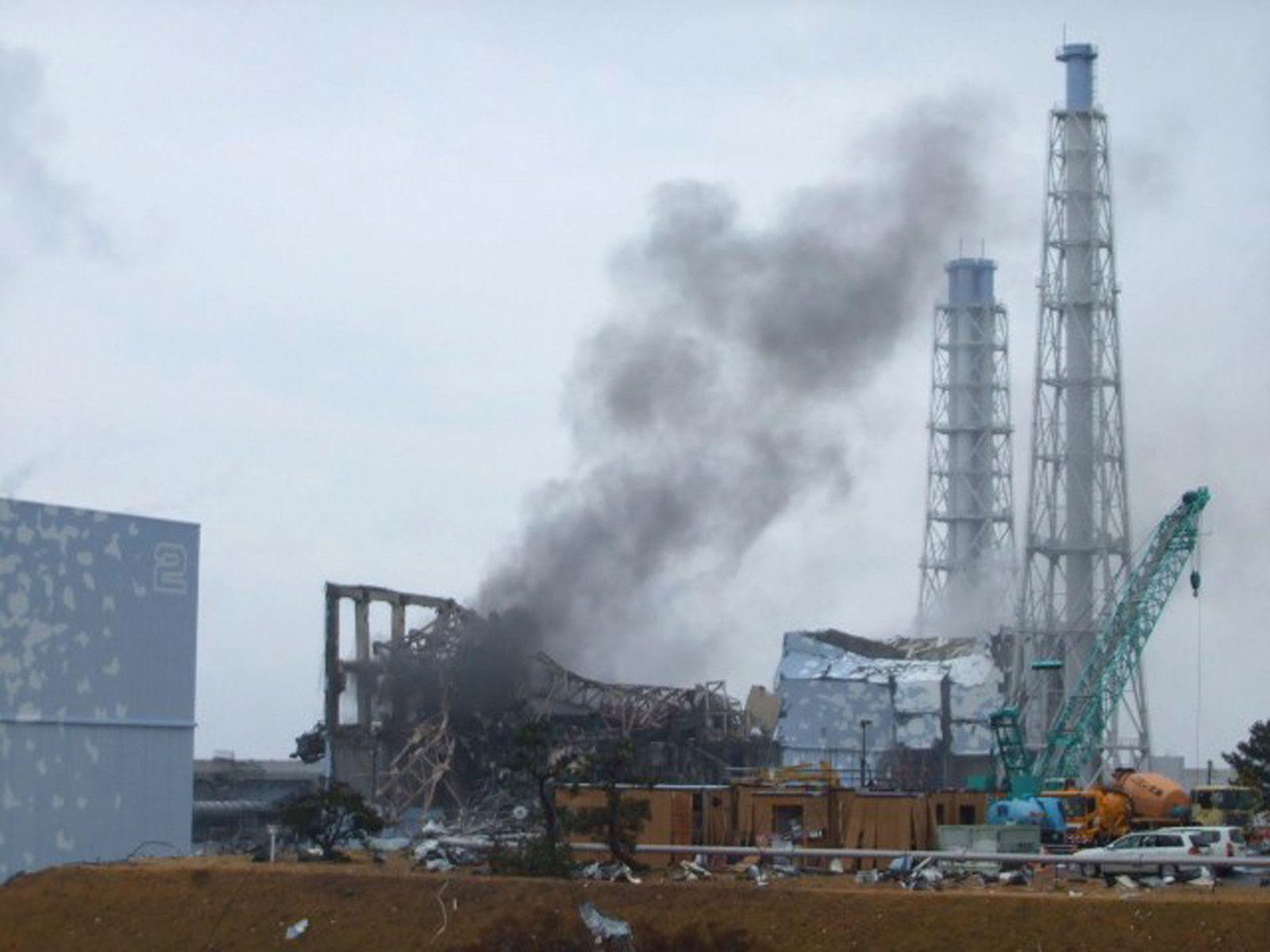 Fig. 41 : Fumée noire provenant du BR3 le 21 mars 2011