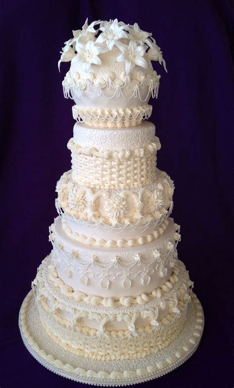 10 Best ideas about Wedding Cakes With Icing on Pinterest