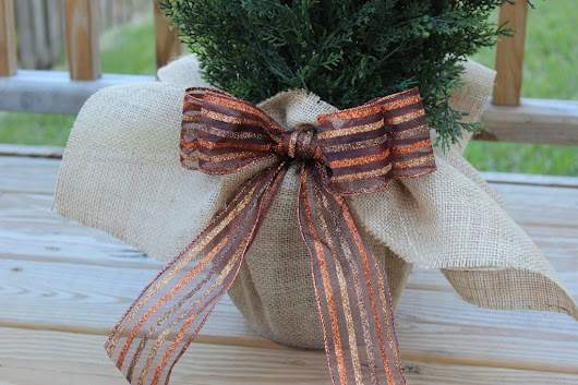 DIY Burlap Wrapped Pot for a Fall Topiary