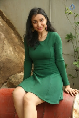 Sakshi Kakkar New Photos - 17 of 26