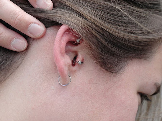 How To Treat An Infected Ear Piercing - Dermatologist Opinion - TrulyGeeky