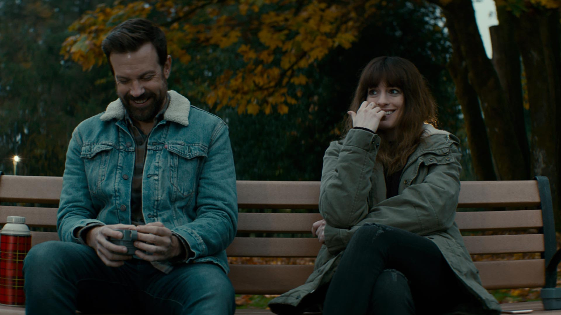 Jason Sudeikis & Anne Hathaway in Colossal