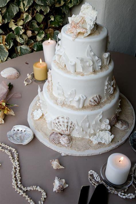 Nice Beach Wedding Cake Theme : Stylish Design White