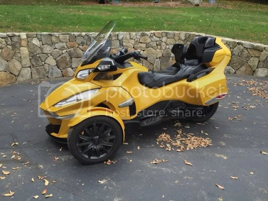 2014 Can-Am Spyder RT-S SE6 – $16,500