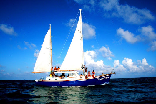 Sailing in Belize | Sail Down the Coast of Belize with Raggamuffin Tours