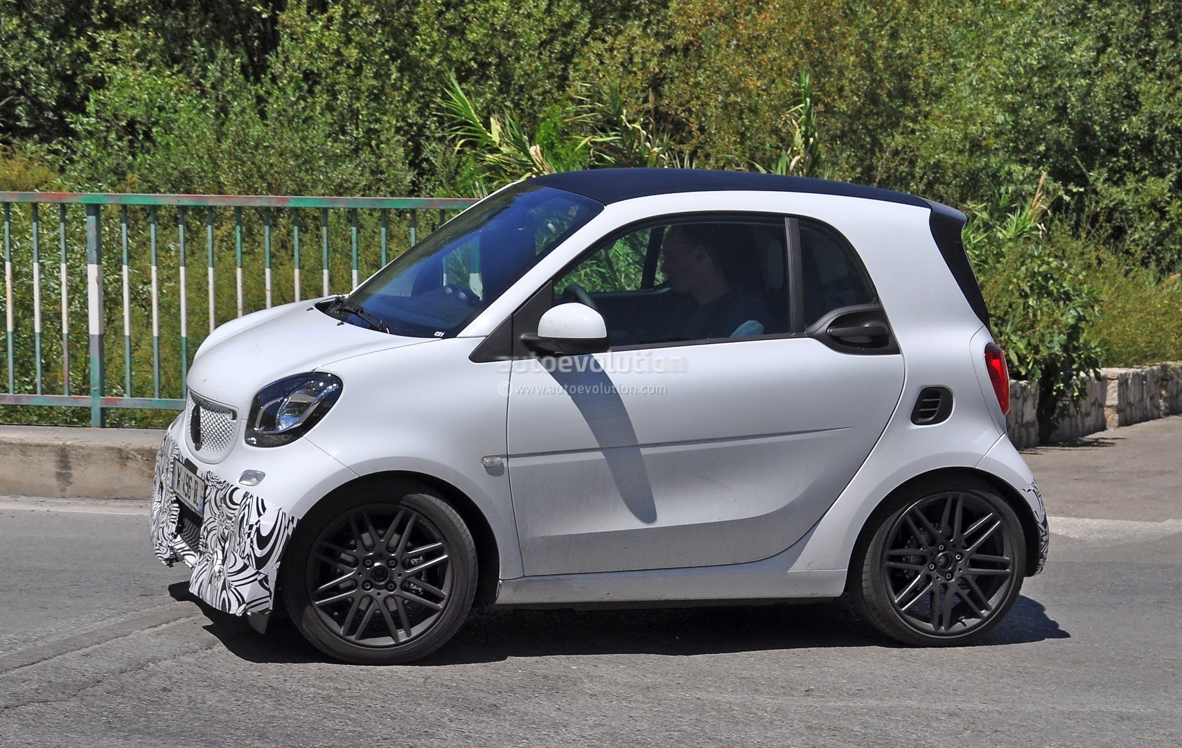 2016 Smart ForTwo Brabus Spotted in Production Guise - Photo Gallery ...