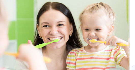 5 Steps to Setting A Great Oral Hygiene Example For Your Kids