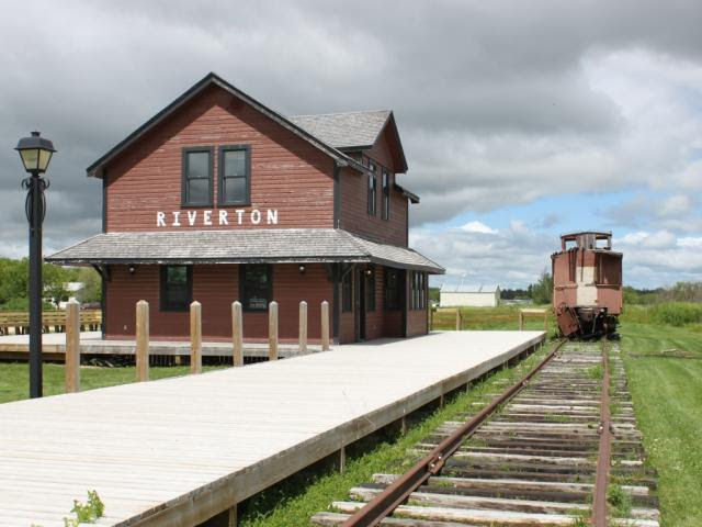 Riverton, MB train station and caboose
