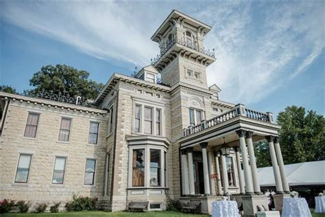 The Renwick Mansion   Davenport, IA   Wedding Venue