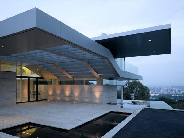 Modernes Haus Design mit beeindruckendem Panoramablick auf