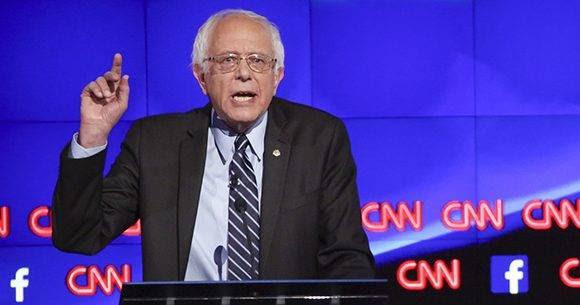 """En una entrevista con la cadena CNN, Bernie Sanders calificó a Donald Trump como """"un fradude. Foto: Josh Haner/ Bloomberg."""
