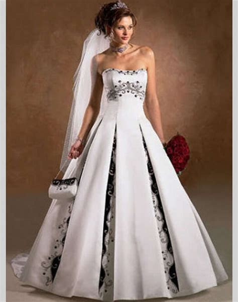 A Line Black and White Wedding Dress China Satin Bride