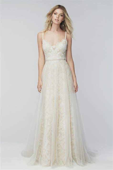 TOP 24 WEDDING DRESS STYLES FOR PETITE BRIDE TO BE   Boho