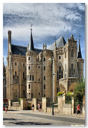 Palacio Episcopal de Astorga by VRfoto