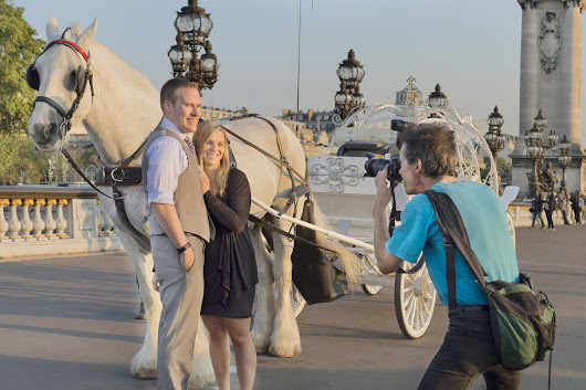 Surprise wedding proposal photographer in Paris
