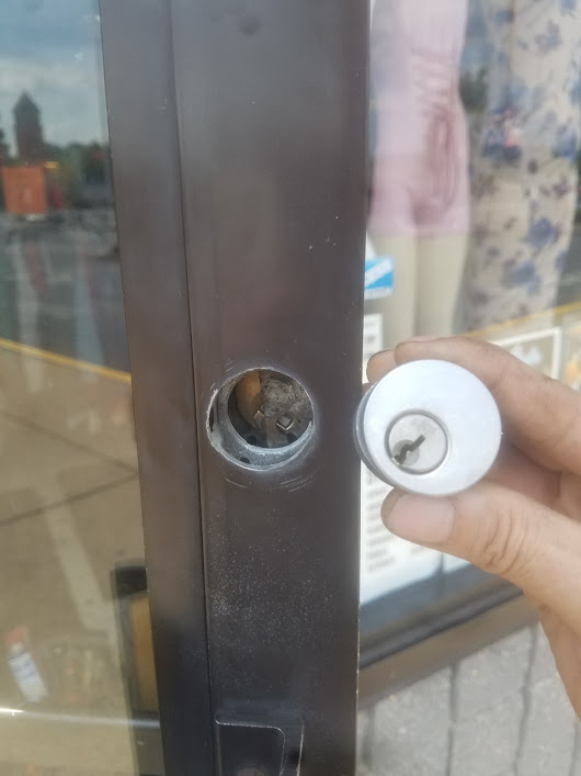 Storefront Lock Repair | Professional Commercial Locksmith | 24/7 Service