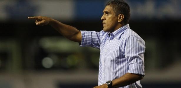 Técnico do Ceará, Silas disputa dois títulos em intervalo de duas semanas