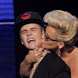 Justin Bieber Feels Violated: Jenny McCarthy Grabs Justin's Butt and Kisses Him (Photo) | Hollywood Hiccups - The Celebrity Remedy