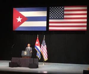 Obama-en-teatro-3-580x435