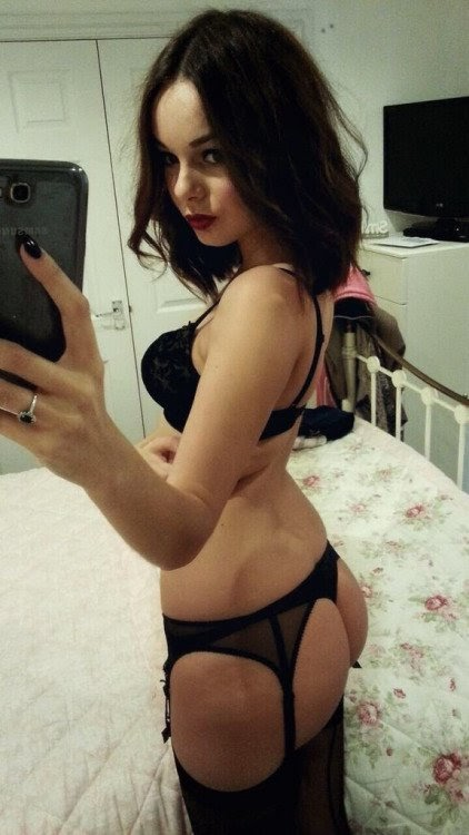 Trade Naked Selfies With Girls In Your Area  F0 9f 98 94 F0 9f 98 A8 Footjob