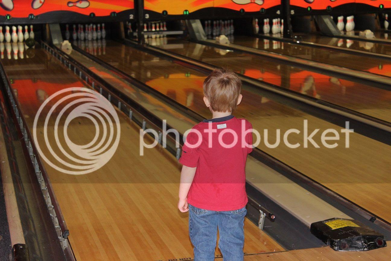 photo bowling5_zps9cy4ywym.jpg