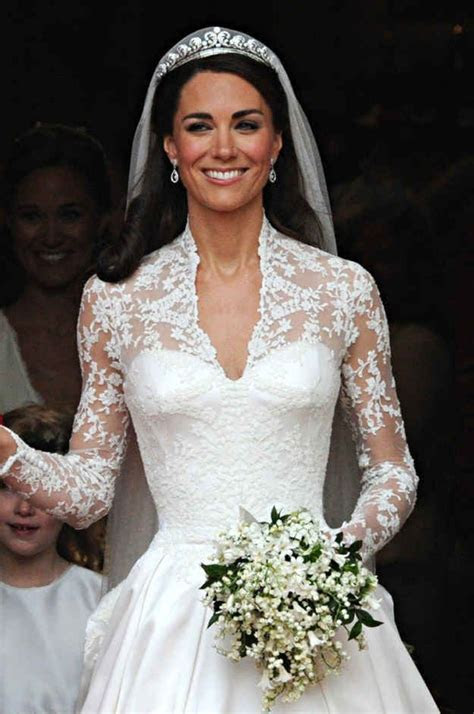 Here's A Graphic Of How Much Wedding Dresses Have Changed