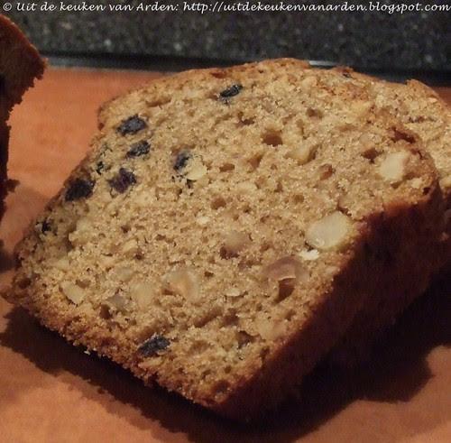 Cake met hazelnoten en gedroogd fruit