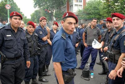 """El régimen político vuelve a decir """"felices pascuas"""""""