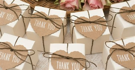 """7 Memorable """"Thank You"""" Gifts Your Wedding Guests Will"""