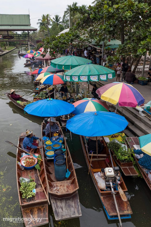 Tha Kha Floating Market - Local Relaxing Market You Can Visit in Thailand