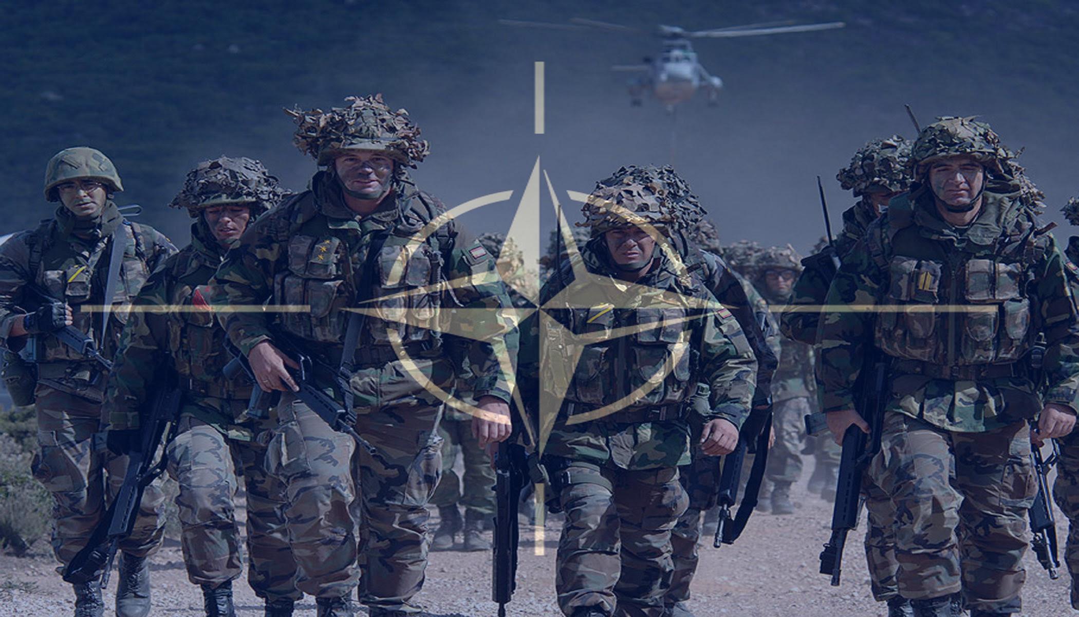 Σφυρίζει αδιάφορα το ΝΑΤΟ απέναντι στην Ρωσία που ζεσταίνει μηχανές