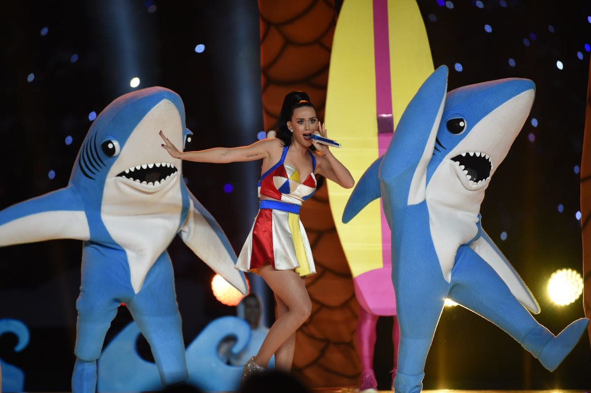http://static6.businessinsider.com/image/54cf106e6bb3f71921806329-1200-800/shark-katy-perry-super-bowl.jpg