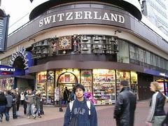 Souvenir Shop Switzerland kat Leicester Square, London, UK