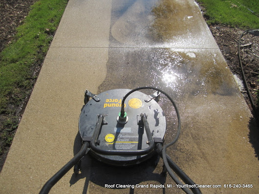 Pressure Washing Grand Rapids Gas Stations