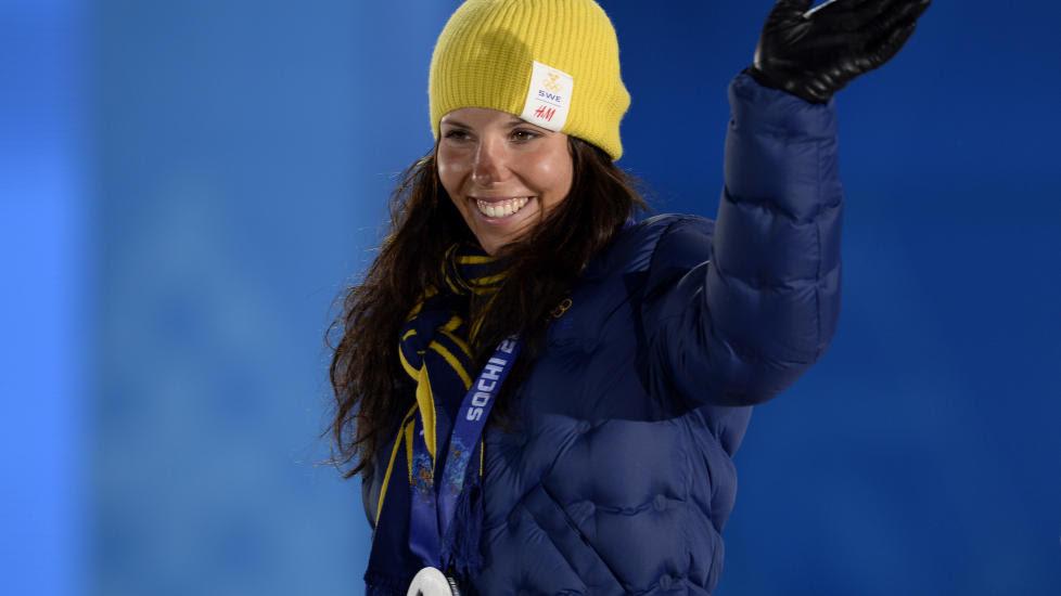 SØLV-JENTE: Charlotte Kalla sikret OL-sølv etter en imponerende avslutning på åpningsdistansen 15 km skiathlon. Fo  FOTO: TOBIAS RASTLUND / TT