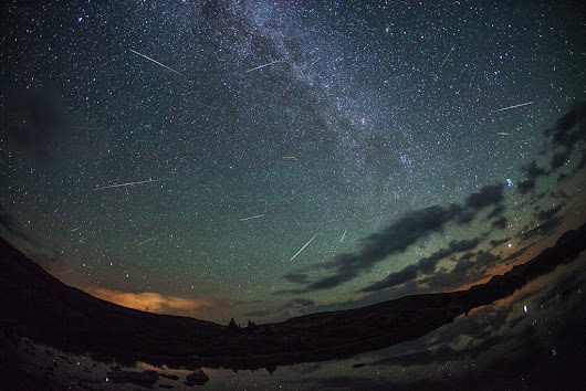 Everything You Need to Know (and Bring) to Photograph a Meteor Shower