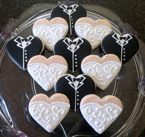 Best 25  Decorated wedding cookies ideas on Pinterest
