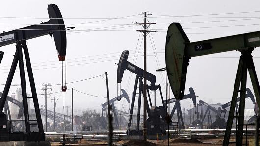 petroleo-campo-california