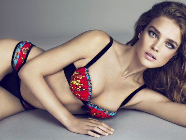 Smoking Hot Models from Around the World!