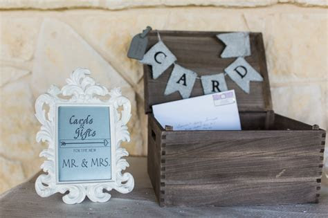 8 Things Every Wedding Guest Should Know About Gift Giving