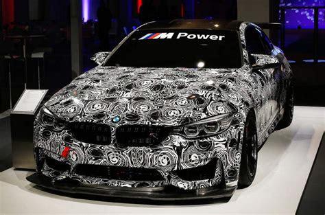 bmw  gt race car showcased   debut