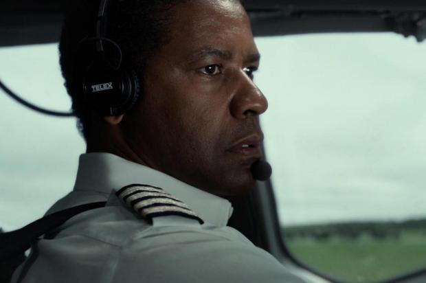 'O Voo', que rendeu indicação ao Oscar para Denzel Washington, estreia sexta Paramount/Divulgação