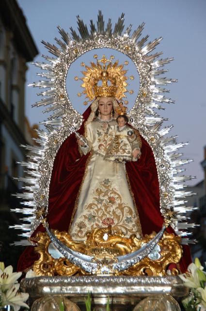 Resultado de imagen de salida procesional de la Virgen del Prado en Sevilla