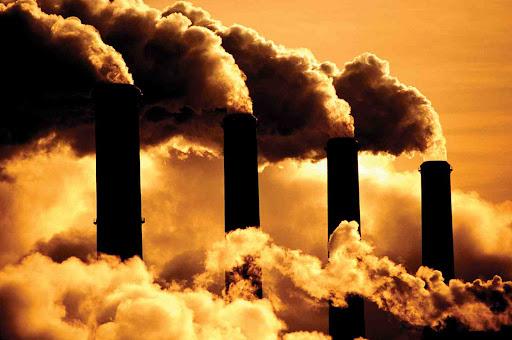 poluição causada pela queima de combustíveis fósseis