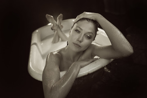 Sidney In The Tub Actress Sidney Leeder From Our In