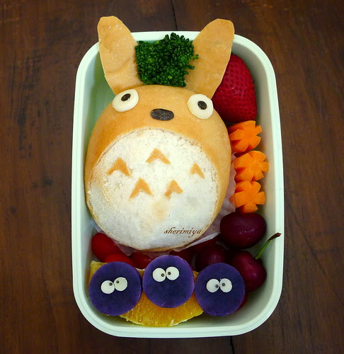 Totoro and Soot Sprites Bento by sherimiya ♥